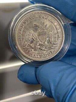 1853 La Liberté Séatée Half Arrove Et Rayons Dollars Beau